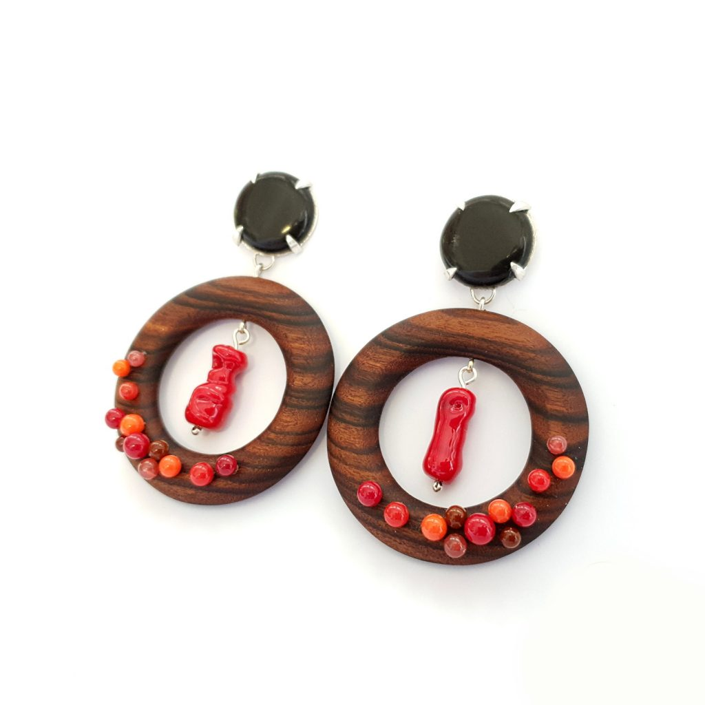 earrings-wood-red-1